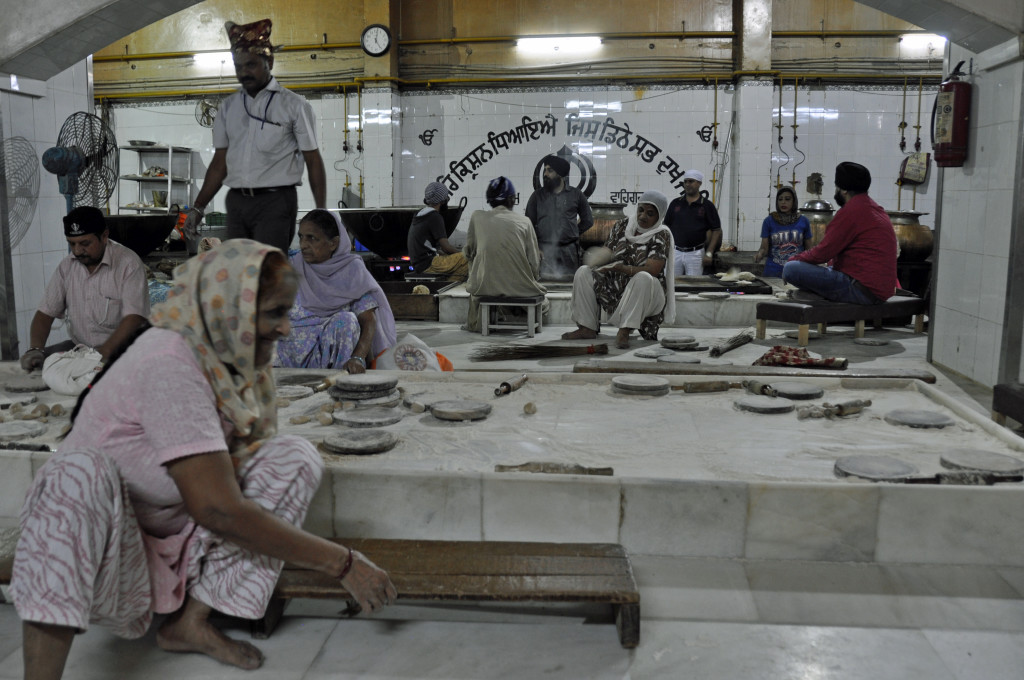 Grurudwara Bangla Sahib, Kitchen