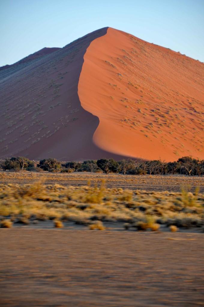Sossusvlei, travelling dunes